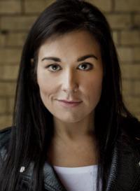 Photo of voiceover artist Stefanie Preissner