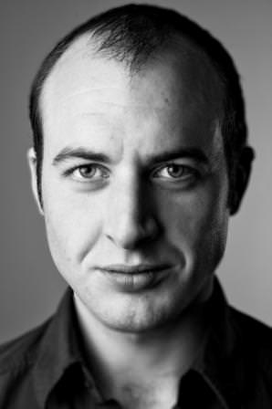 Photo of voiceover artist Simon Ashe-Browne